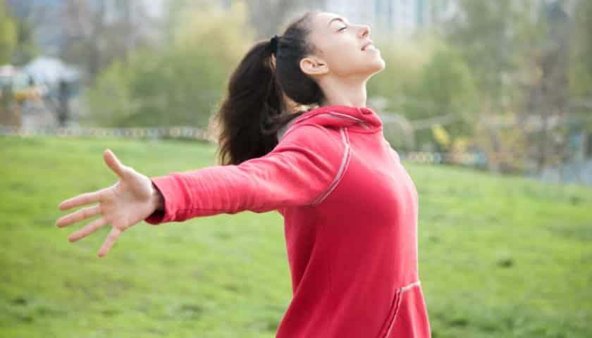 Respirar es una excelente forma de observar tu cuerpo. Es un consejo más que te damos en Ndikandií.